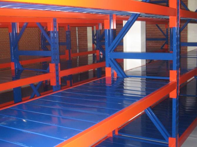 camas de paneles metalicos